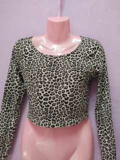 H&M leopard print crop top