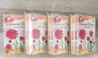 🚚 面膜8盒24片+四本手工筆記收納本