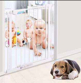 Safety gate for babies / dogs / cats / pets. 1m height