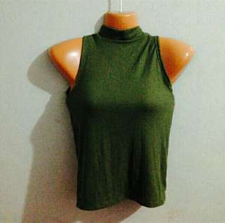 GREEN FITTED TURTLE NECK TOP