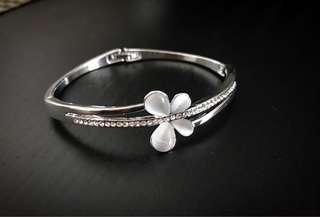 Bracelet for ladies!