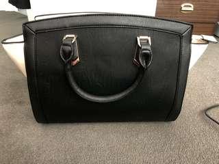BNWOT large Colette Hayman Bag