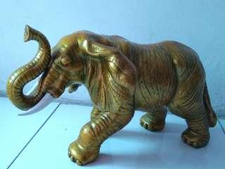 Patung Golden Elephant (utk tolak bala)