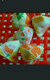 Bright floral flowers five stones  five stones   Hari Raya Flash sales