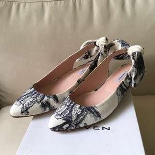 Carven bow back white patterned suede flats 平底鞋