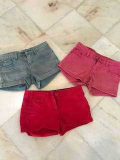Bundle short pants( 2 no brand 1 is mango)