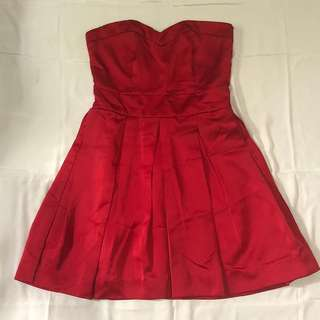 Tailor-made red tube dress