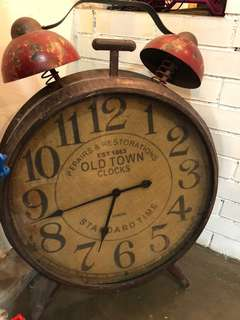 Vintage Clock in red
