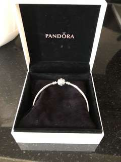 Pandora - 19cm Snowflake Bangle Moments Silver - Brand New