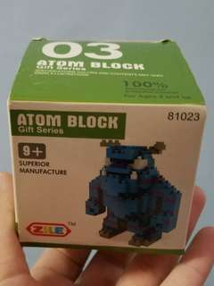 Atom block (world's smallest)