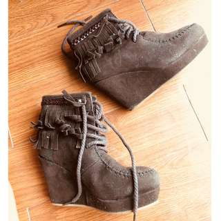 OLLIE boots for kids