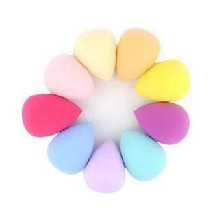 Beauty blender with a box  P75