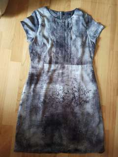Éprise Grey Marble Effect Formal Dress