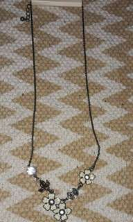 Forever 21 Floral Antique style necklace