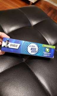 全新 Darlie All Shiny White 黑人牙膏 Fluoride Toothpaste
