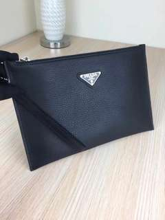 Prada Clutch 💯Original