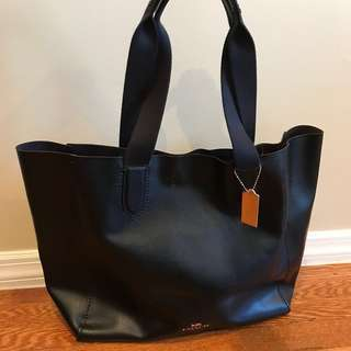 Coach large tote bag 輕身簡約