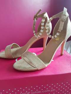 SoFab/Gold High Heels/Size8 (usedonce)