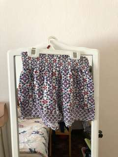 Preloved H&M floral shorts (xs)