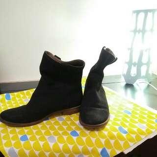 ecco黑色真皮短靴 38號
