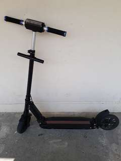 E Scooter With Charger ( Read Description )