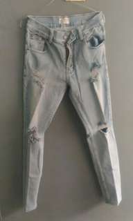 Ripped jeans no denim size 29