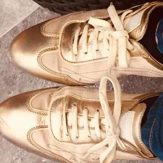 LV sneakers OP:$9100
