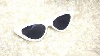 Cat ye retro shades / sunnies