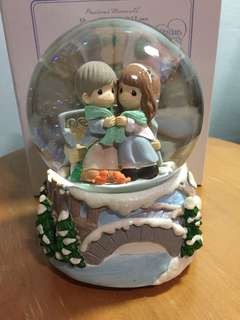 Buy 3 Get 1 Free : Precious Moments Couple On Bench Musical Waterball
