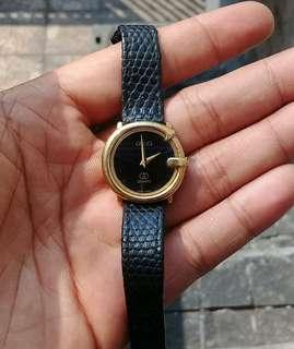 Gucci G Logo Women Watch Leather Gold Plated Vintage AUTHENTIC 80's Quartz