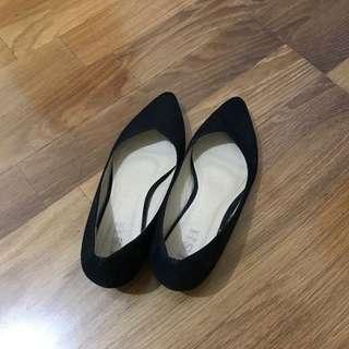 🚚 低跟尖頭鞋