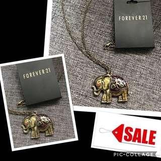Forever21 elephant necklce
