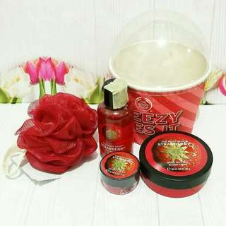 The Body Shop Strawberry Packcage