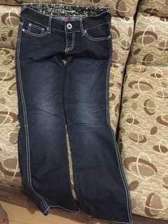 Original Guess skinny Leg pants size 27