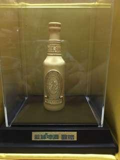 藍妹啤酒珍藏金樽 (外包24k金