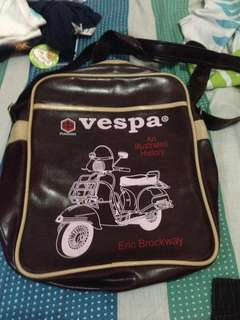 Vespa messenger bag