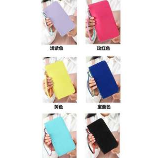 COLORED WRISTLET