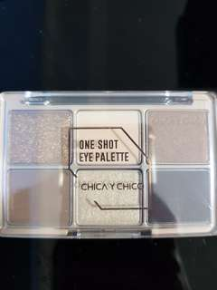 Chica y Chico one shot eye palette wine burgary