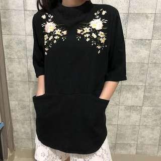 Black sakura top