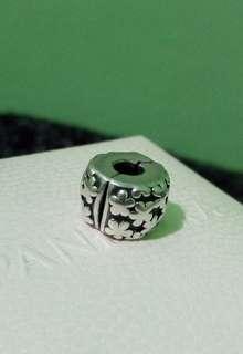 Authentic Pandora Flower Burst Clip