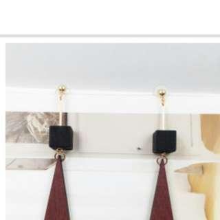🚚 古典木質垂墜耳環(夾式
