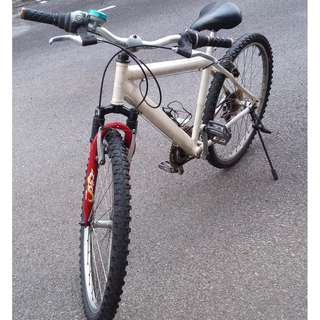 Full aluminium bicycle for sell,woodlands blk 763