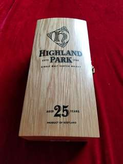 Scotch Whisky: Highland Park 25 (如相片所示)