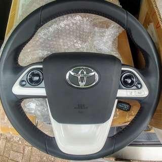 ZVW55三點式皮軚環連氣袋 接近全新 合各豐田車改裝
