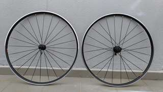 Bontrager 10/11 Speed Wheelset (wide)