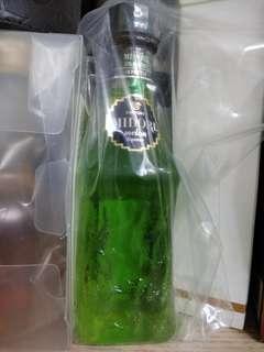 絕版三得利蜜瓜甜酒酒辦50ml 一支。