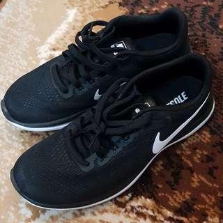 Nike Flex size 40 Man Black White Original