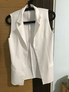June special deal!Brand new white vest (free size)