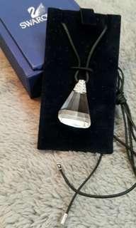 全新 Swarovski Necklace (有盒)
