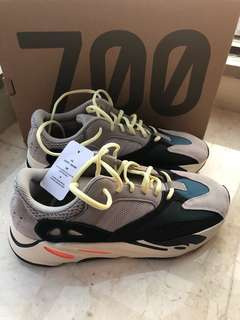 Worn Once Authentic Adidas Yeezy Waverunner 700 size US 9.5